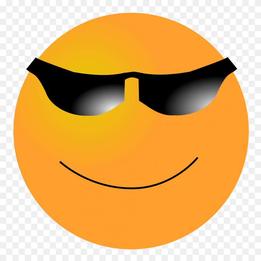 958x958 Free Content Clip Art - Free Emoji Clipart